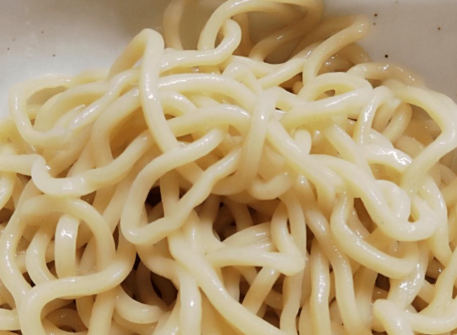 茹でた後の麺
